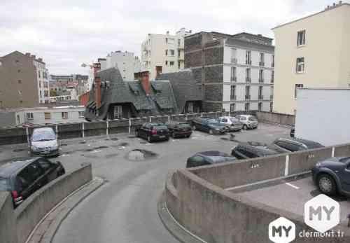 Parking 10 m2 à louer Clermont-Ferrand 63000 Jaude, 70 €/mois