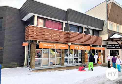 Commercial 96 m2 à vendre BESSE-ET-SAINT-ANASTAISE 63038, 398 000 €