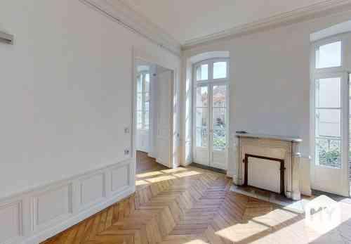 Appartement 4 pièces 115 m2 à louer Clermont-Ferrand 63000 Delille, 1 250 €/mois