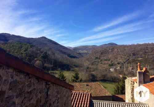 Maison 5 pièces 250 m2 à vendre Ardes 63420, 49 000 €